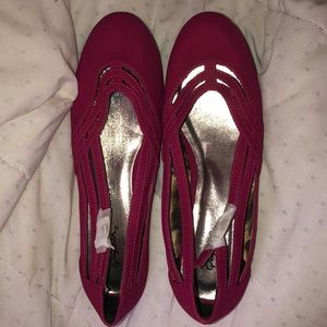 Maroon colored flats